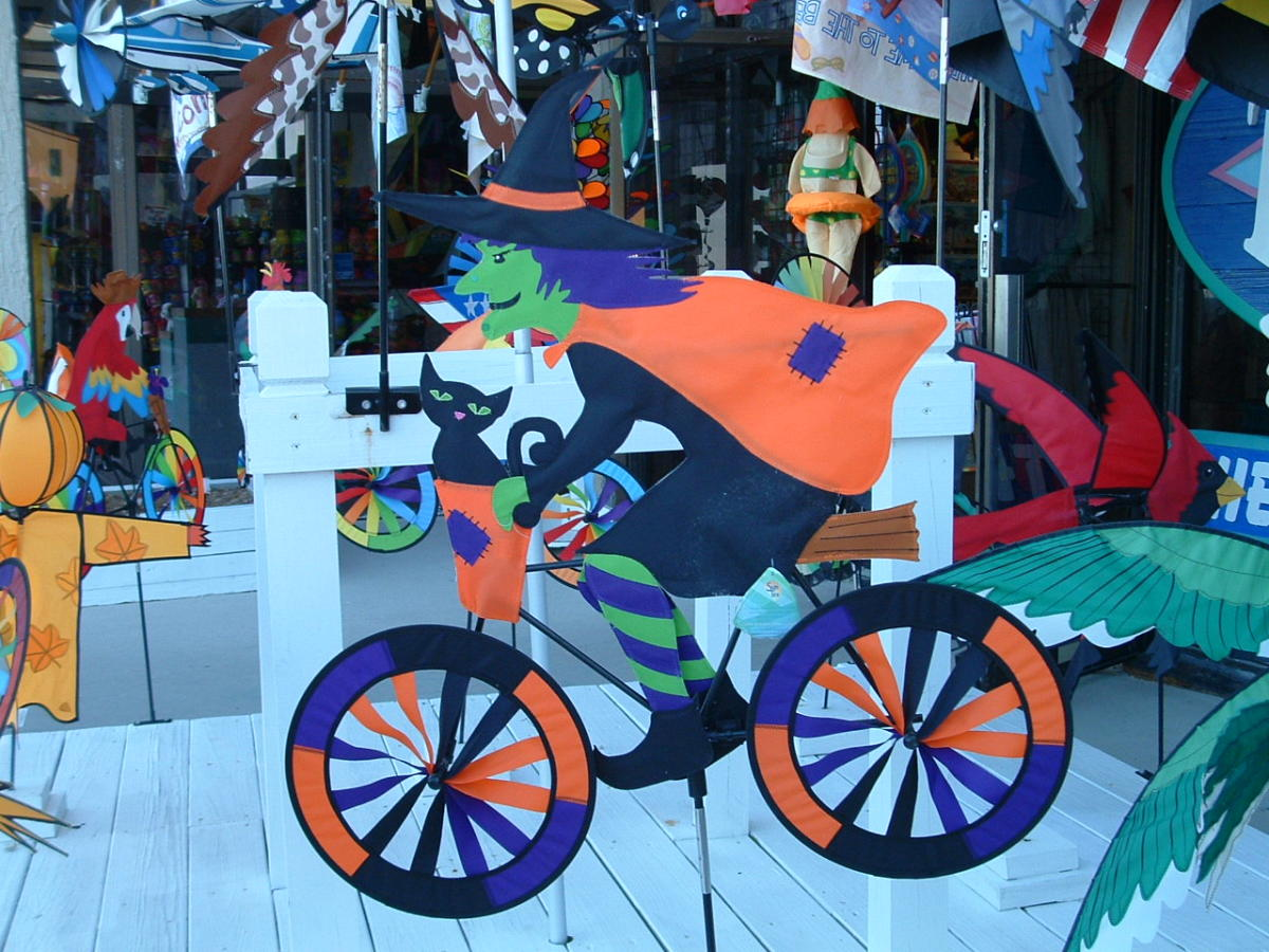 Rehoboth Beach has colorful displays and great festivals in fall.