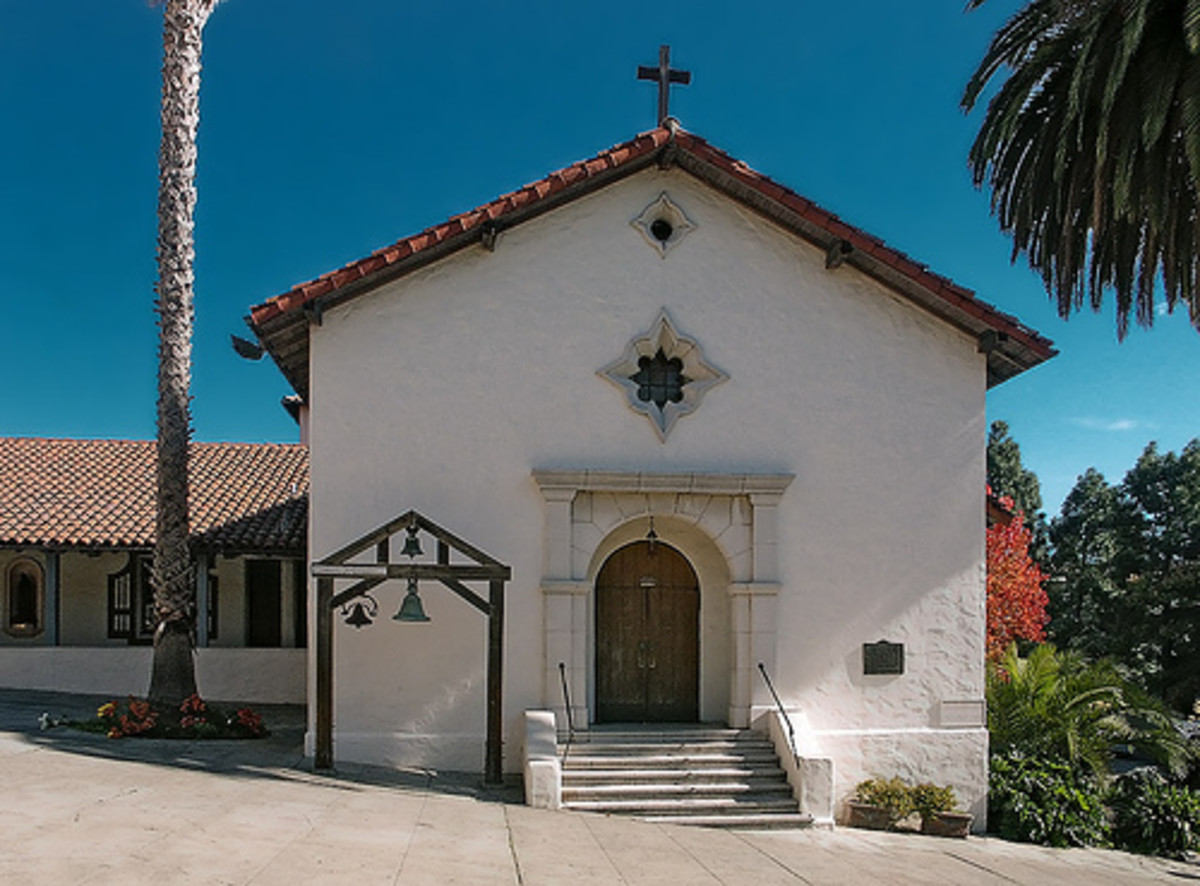 The Arcangel chapel was restored as close as possible to the original style.