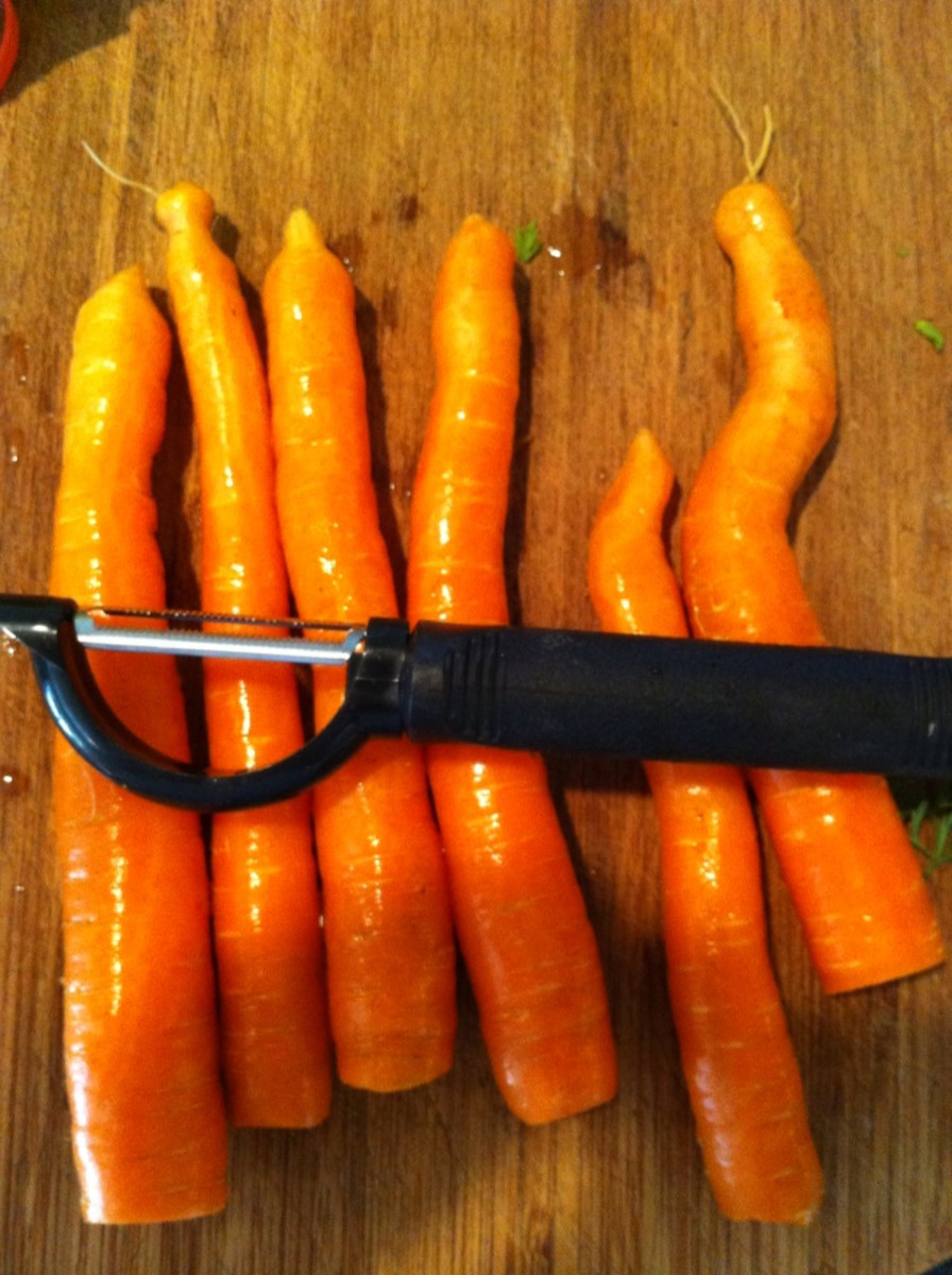 Carrots and peeler