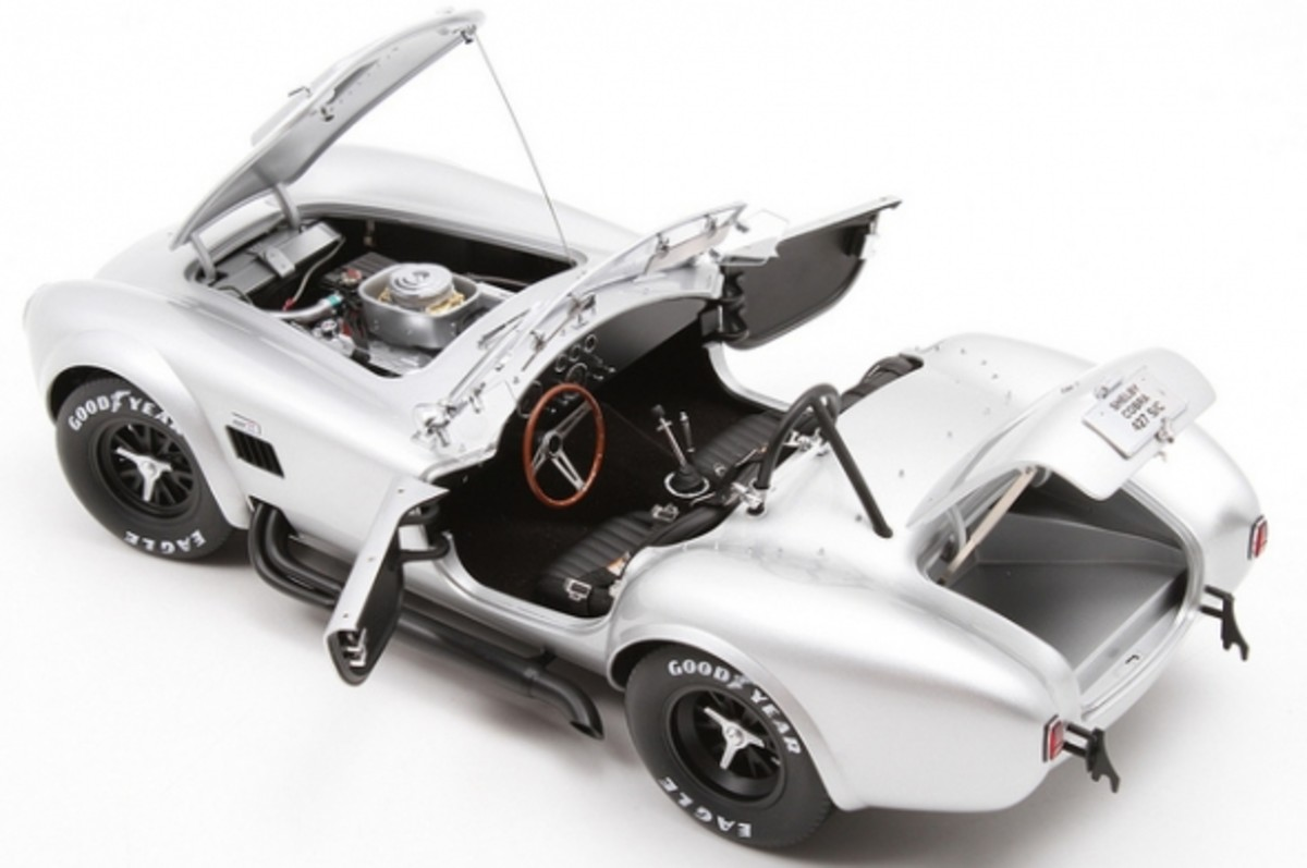 Shelby Cobra 427 S/C Silver Diecast by Kyosho