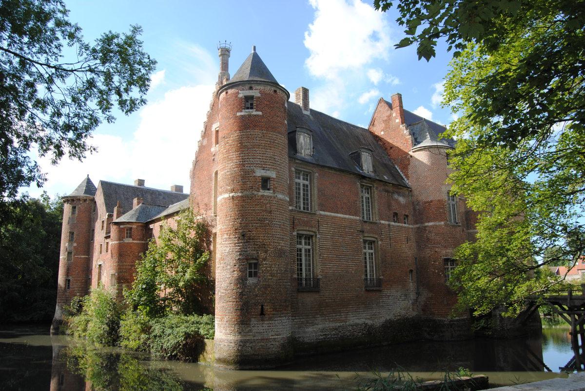 Esquelbecq Castle