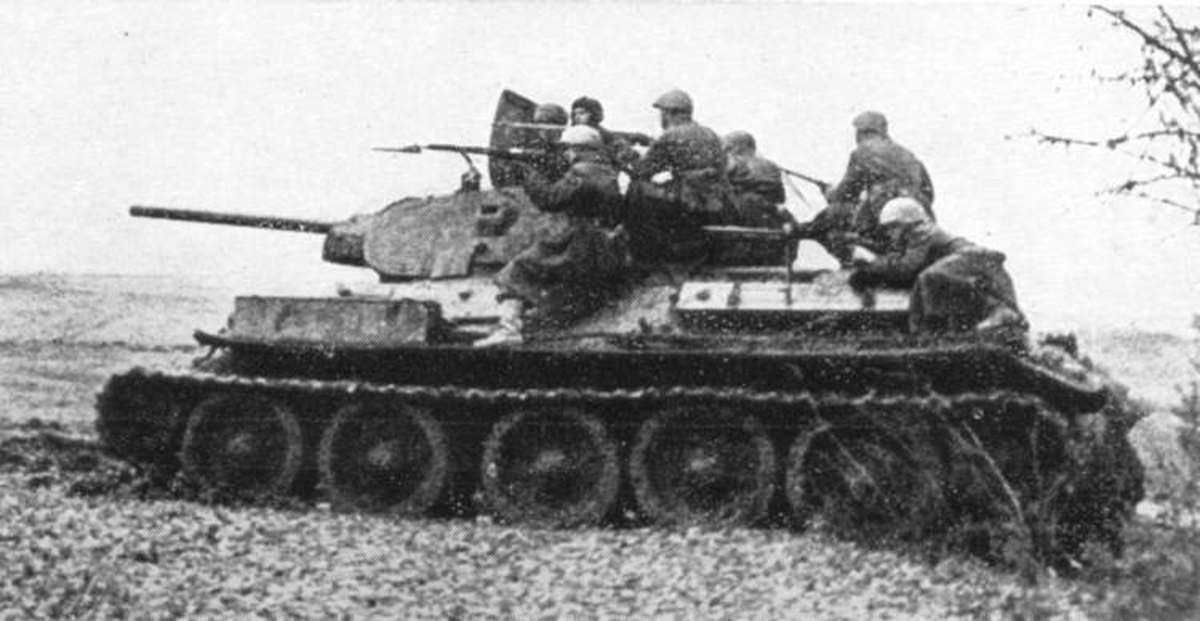 Russian T-34 with Infantry greatest Tank of the World