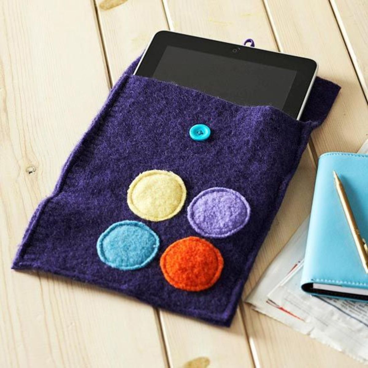 Felt Crafts - Make an iPad cover