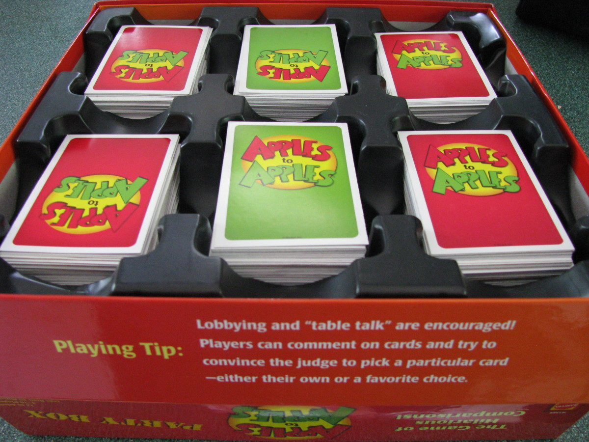 Red and green cards for Apples to Apples