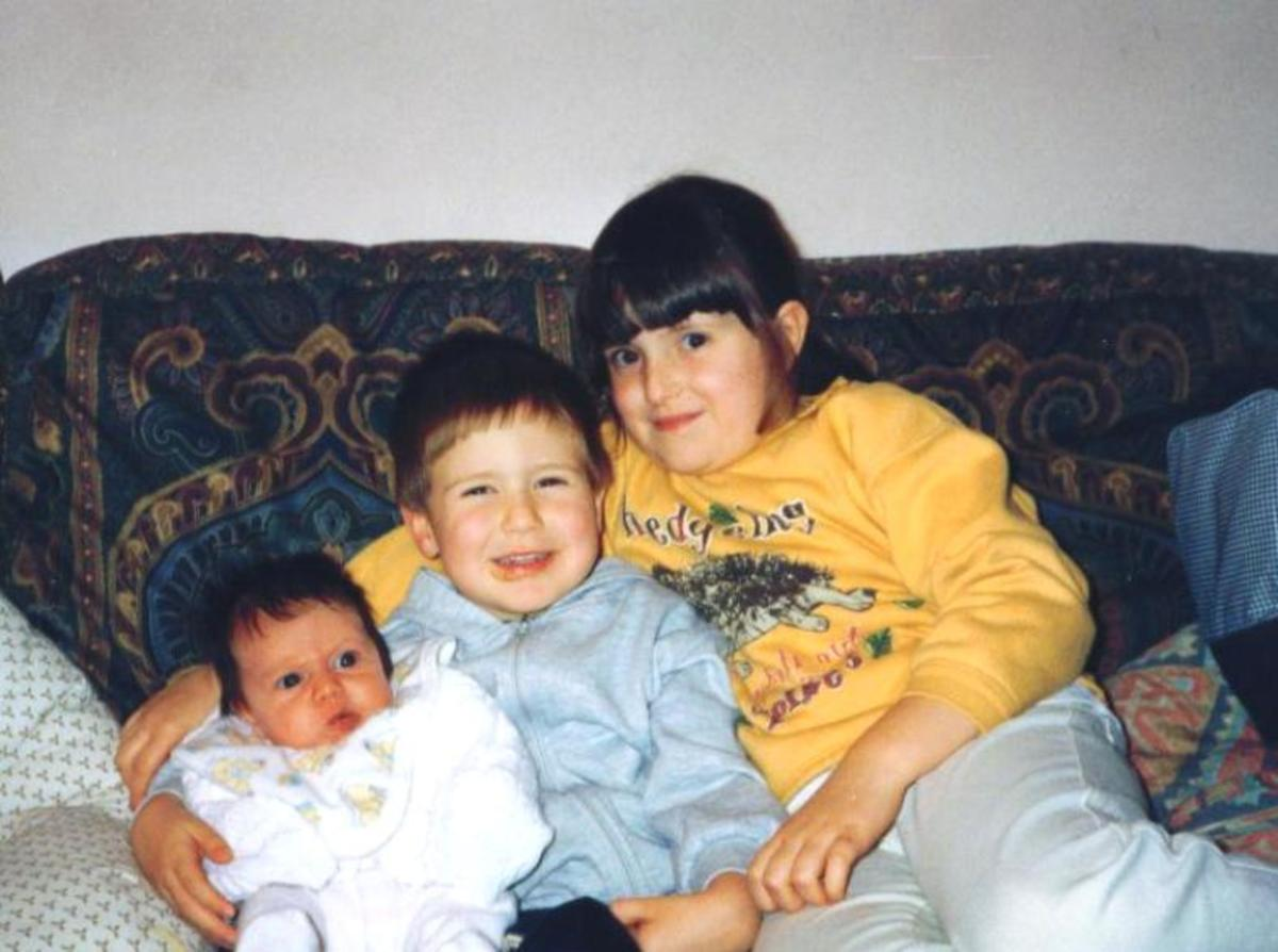 Heidi & George with their new sister Josephine. 1998