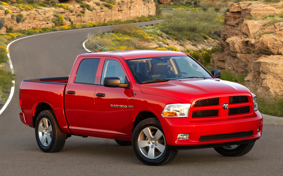the-best-comparison-of-the-2012-chevy-dodge-and-ford-half-ton-pickup-trucks