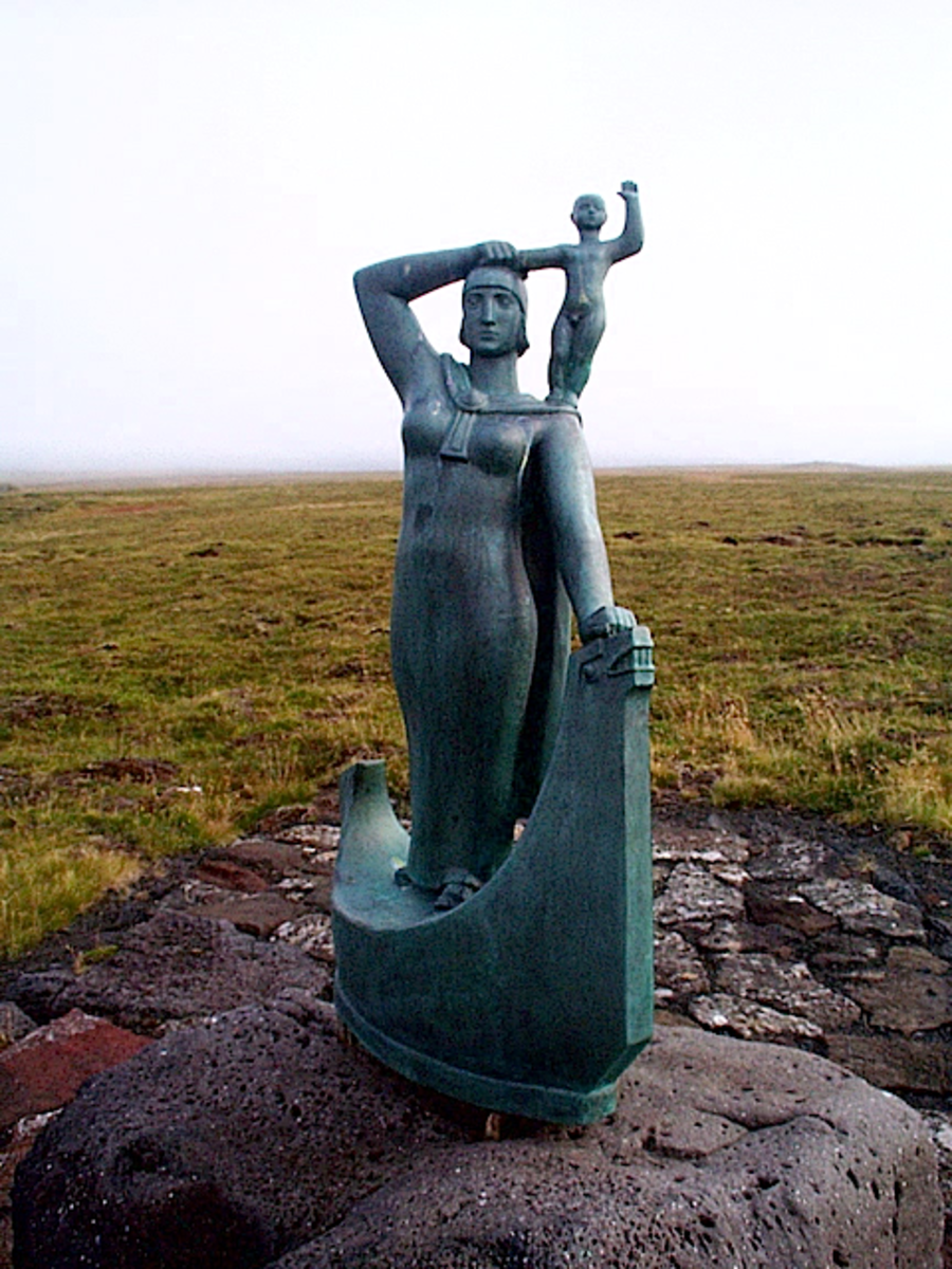 Gudrid and her son Snorri - statue in Iceland