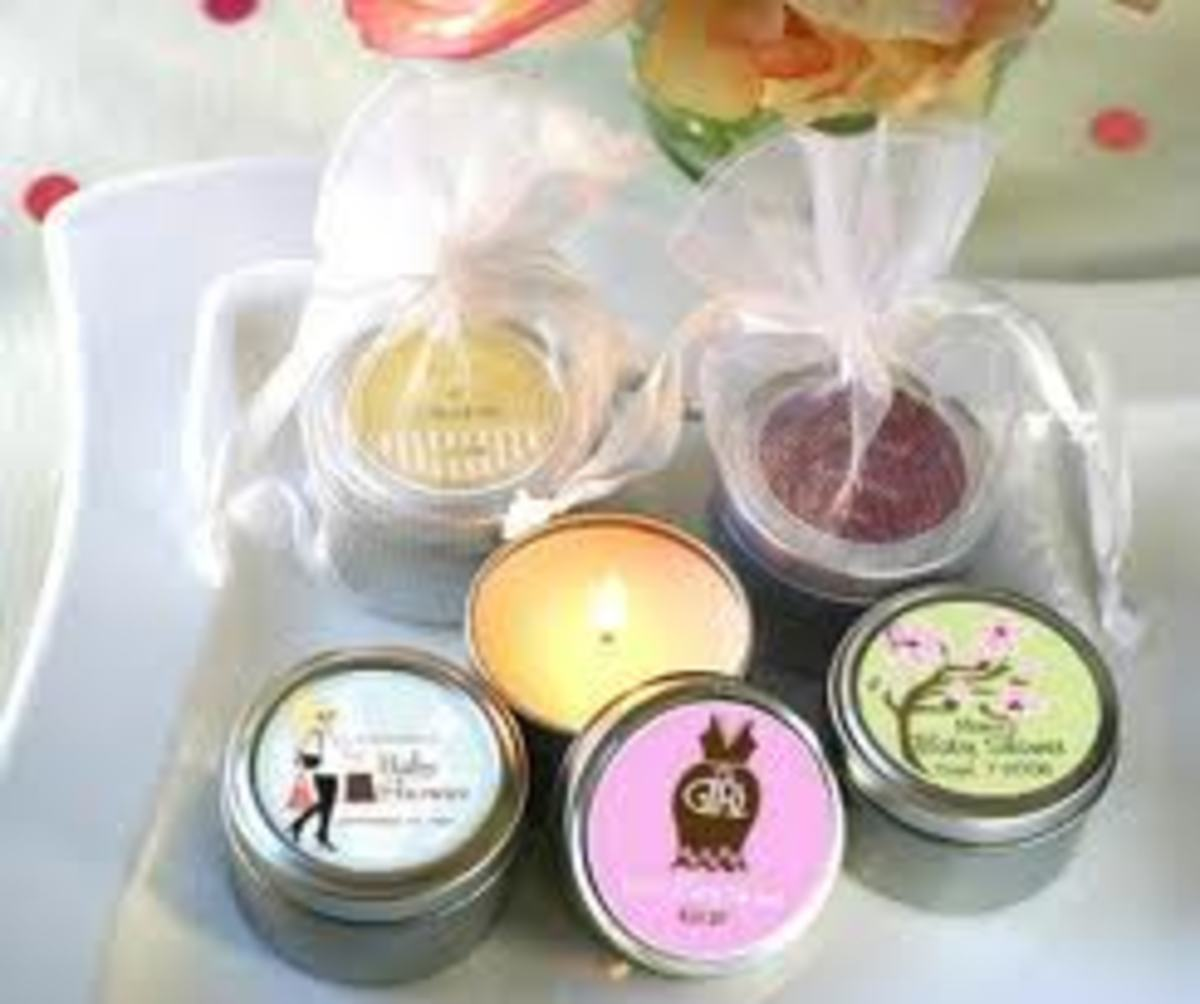 Candles make great decorations as a baby shower, but it can also be used as a gift.