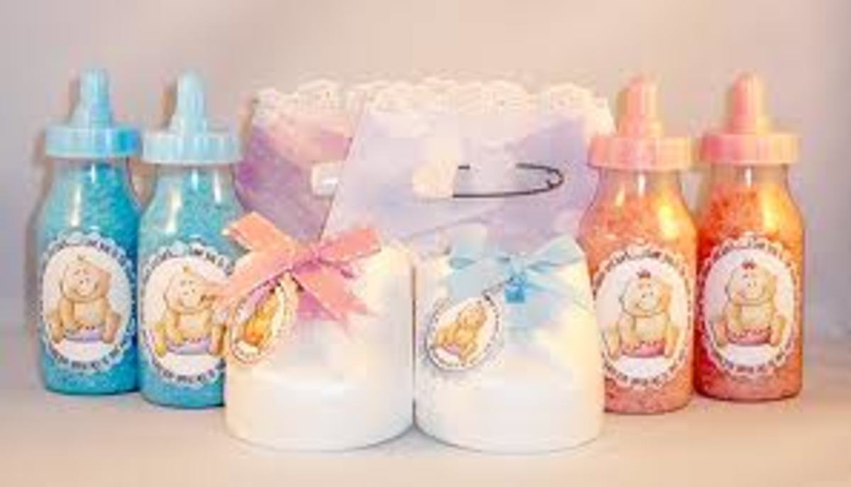 You can make your own decorations as well. You can use diapers, bottles, blocks, toys, tissues, and many other items.