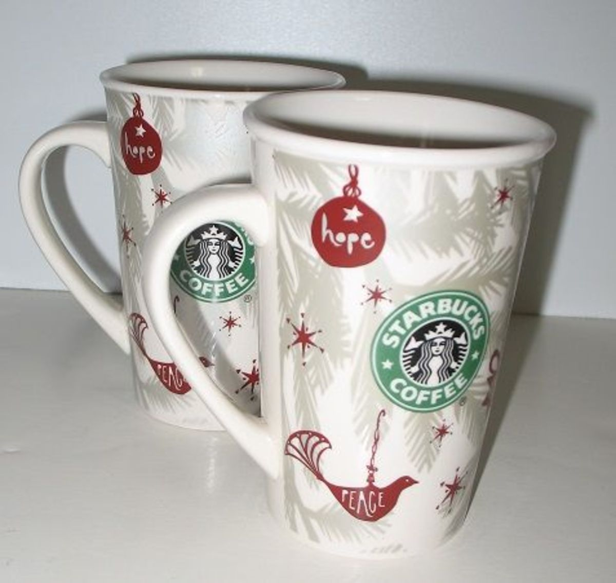 Starbucks 2010 Christmas Mug