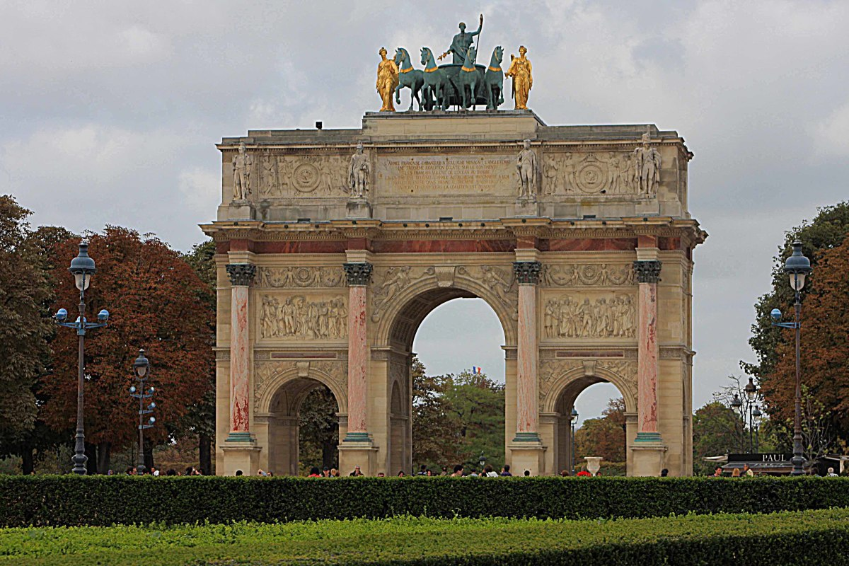 Back on the right bank between the Louvre and the Place de la Concorde is this small version of the Arc de Triomphe known as the Arc du Carrousel, built like its famous bigger brother by Napoleon to commemorate his victories
