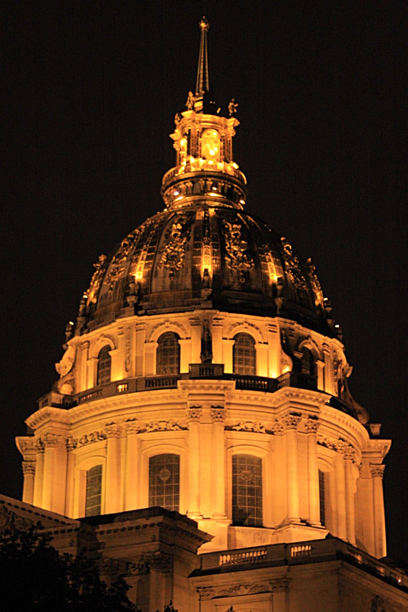 The Church of St Louis at Les Invalides is a beautiful sight after sunset when the dome is brightly illuminated.