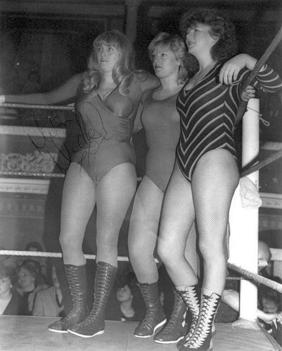 Mitzi Mueller, Gemma Best and Rusty Blair - British Female Wrestling