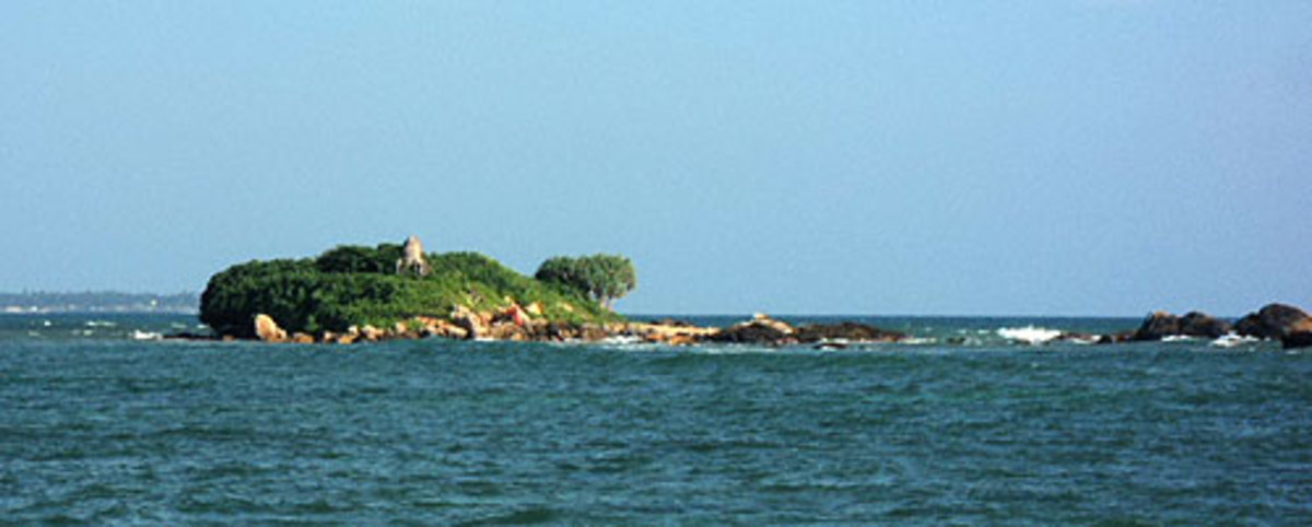 polhena-beach