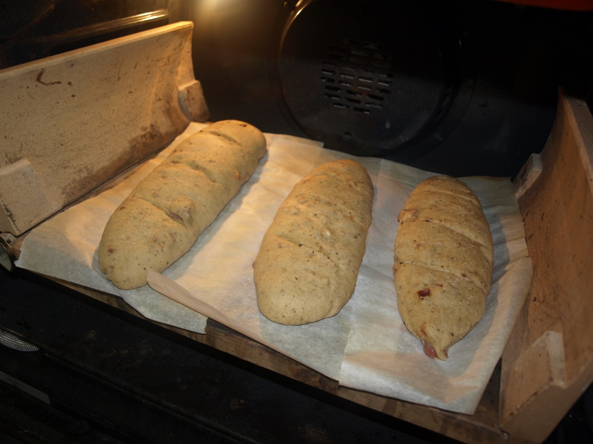 Old Fashioned Recipes - Italian Lard Bread, French Bread, Pasta Piselli, Chicken Cutlets and more from Life On The Stoop