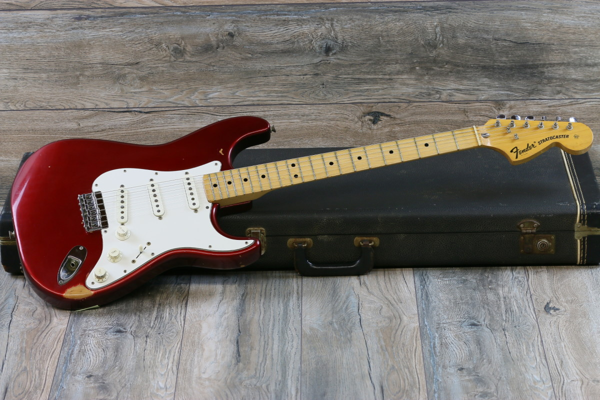 Classic 3 single coil Strat with maple fretboard and the fat headstock.