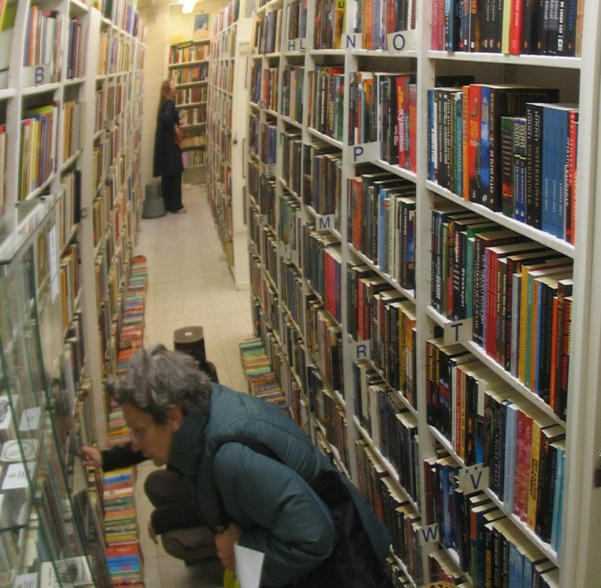 A library is a great place to catch up on books and art publications. Your journey through the zillion books and shelves of a library will be absolutely magical.