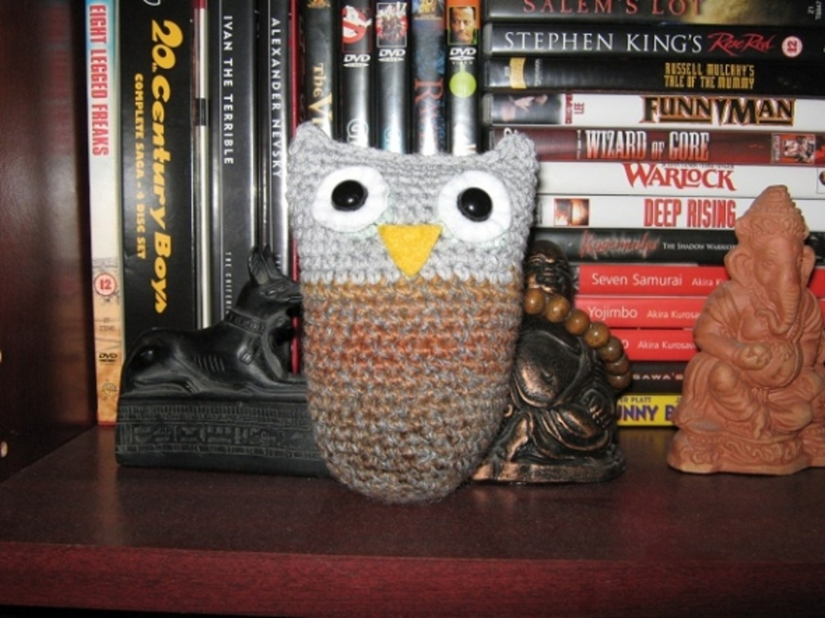 This is from Jenna Krupa's Owl Puff pattern, but adapted from knitting to crochet.