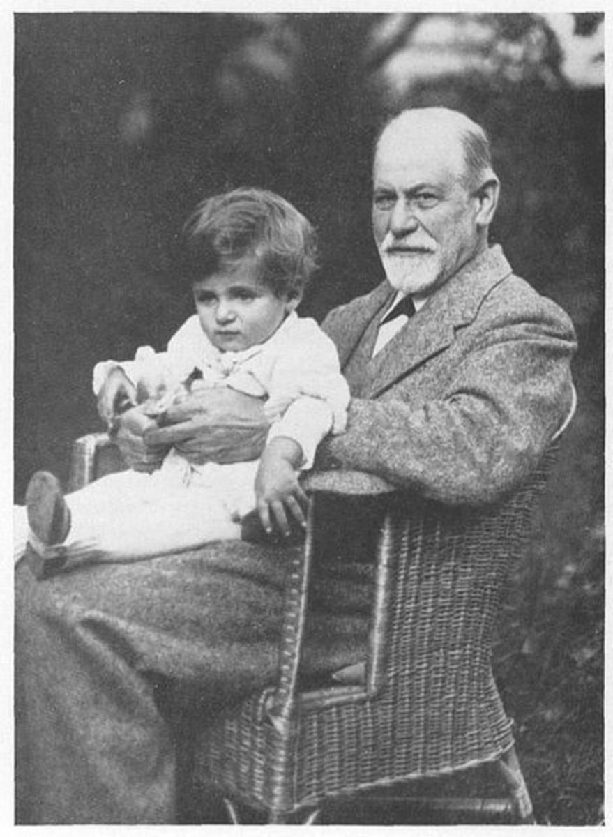 Five Interesting Facts About Sigmund Freud That You Probably Didn't Know