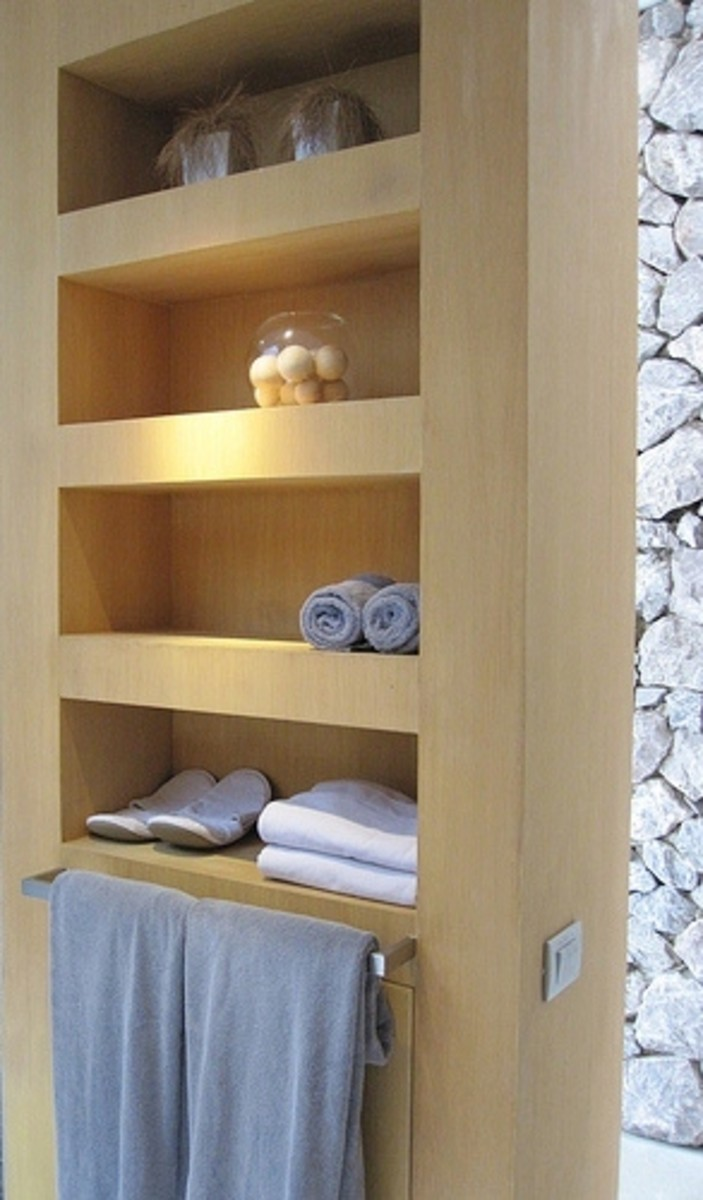 A Neat and Sleek-Looking Shelving Unit, Perfect for a Zen Bathroom