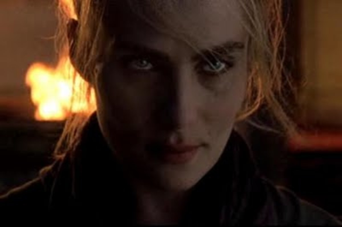 Hot Emmanuelle Seigner as The Girl in The Ninth Gate