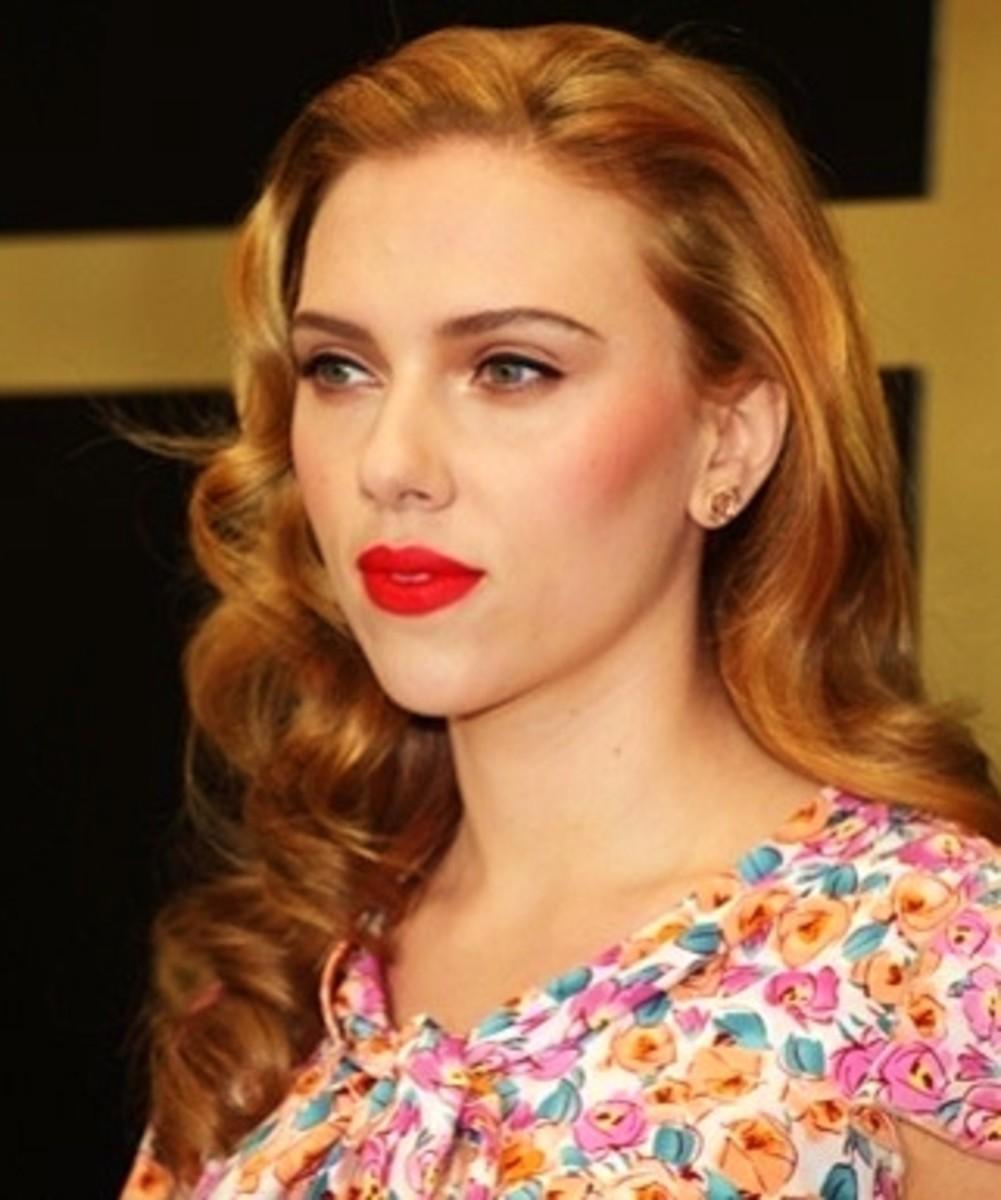Scarlet Johansson in Dark Honey Blonde Hair