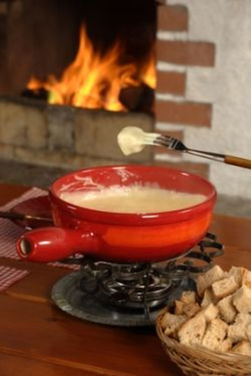 make-perfect-swiss-cheese-fondue-at-home