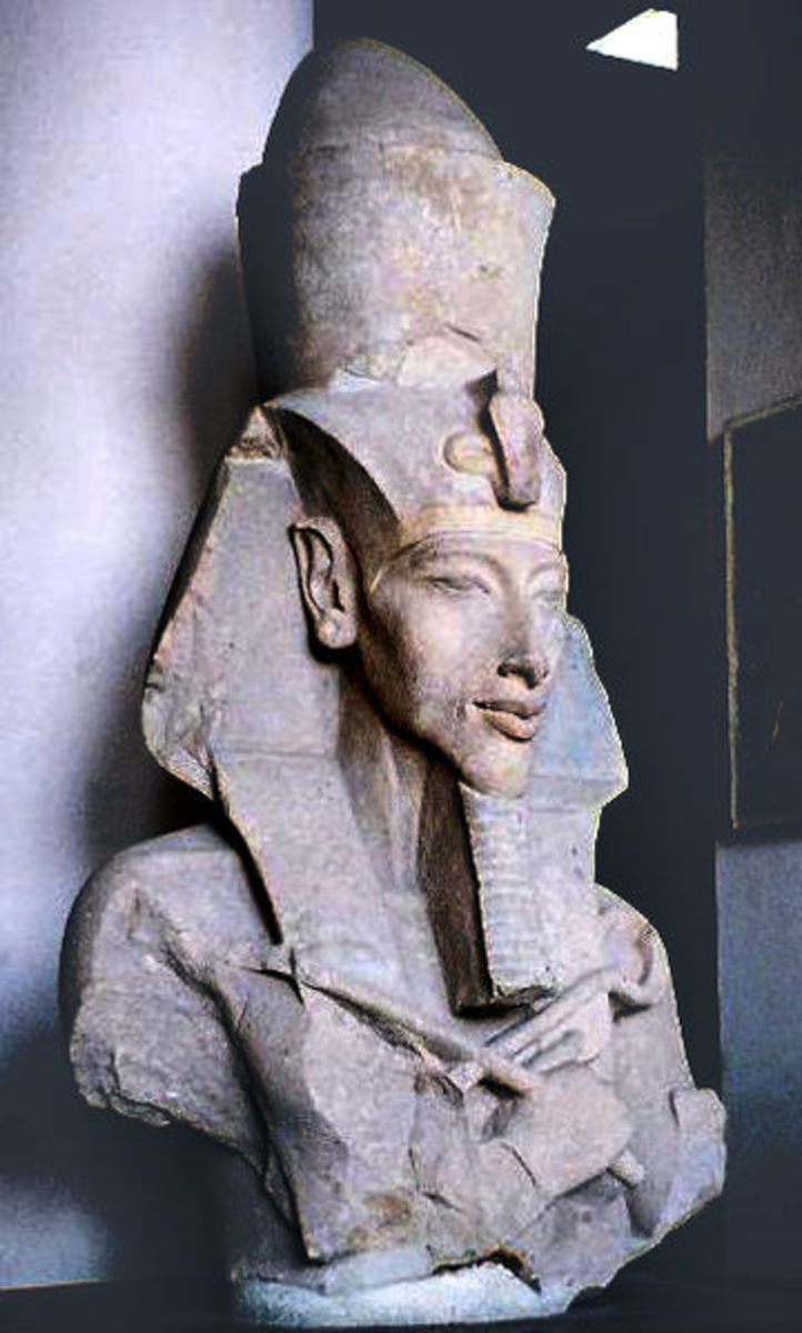 Statue of the pharaoh Akhenaten, Tutankhamun's father.