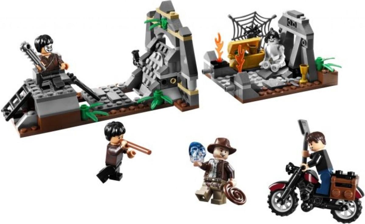 Lego Indiana Jones Chauchilla Cemetery Battle 7196 Assembled