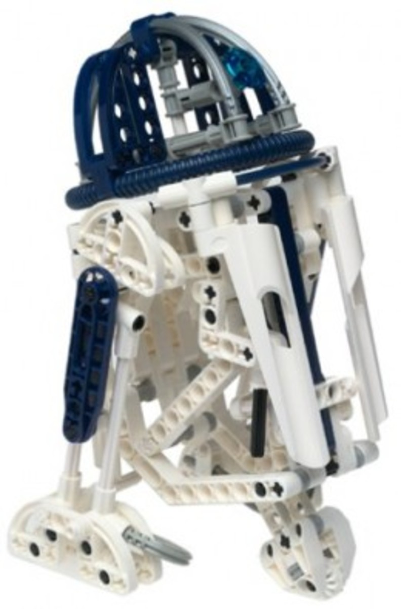 Lego Star Wars R2-D2 8009 Assembled