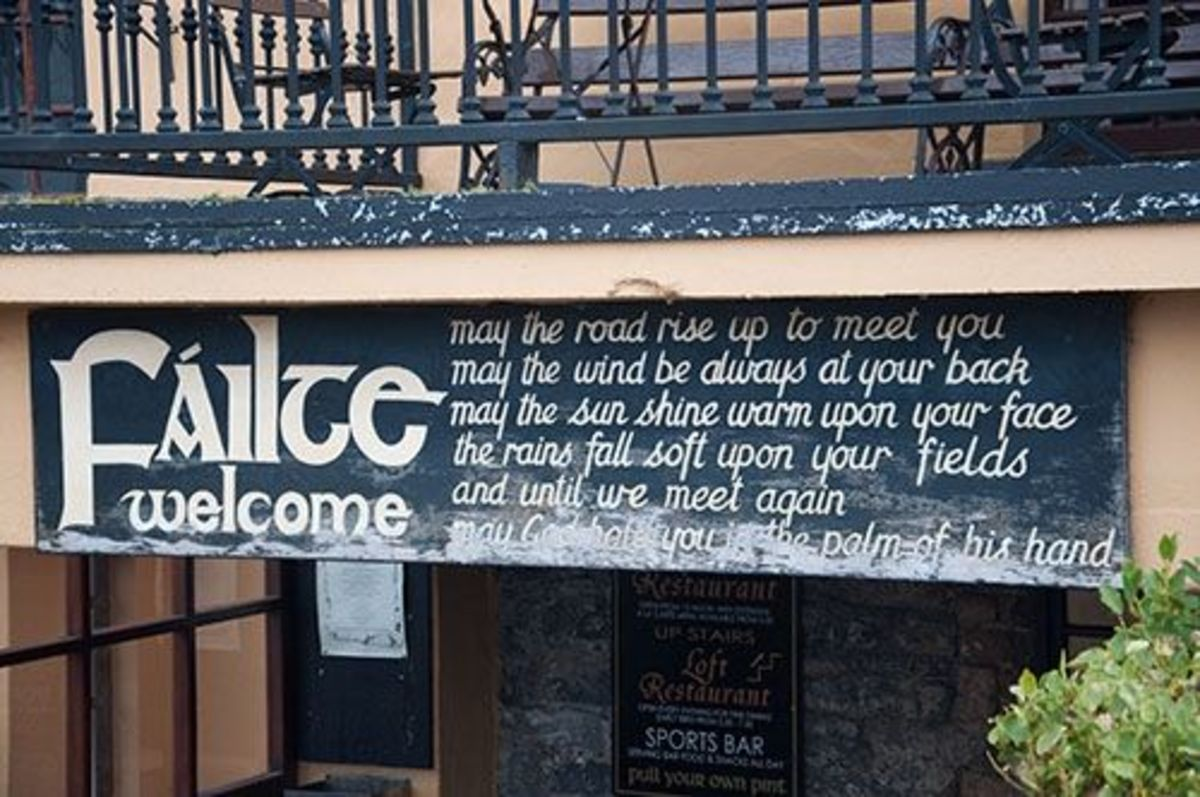 The 'Failte' sign outside the pub, meaning Welcome.
