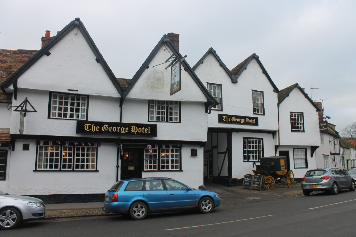 The George Hotel, built in 1495, Dorchester-onThames, Oxfordshire, England