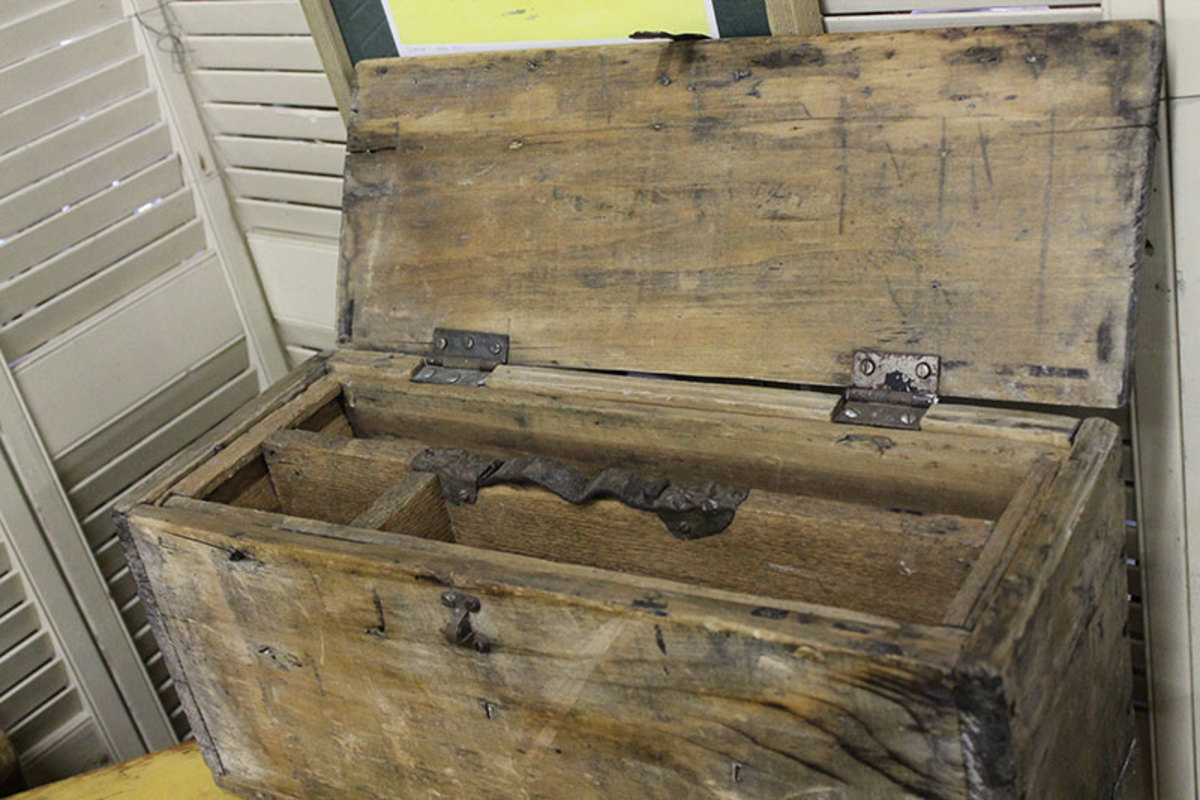 Wooden tool carpenter tool box