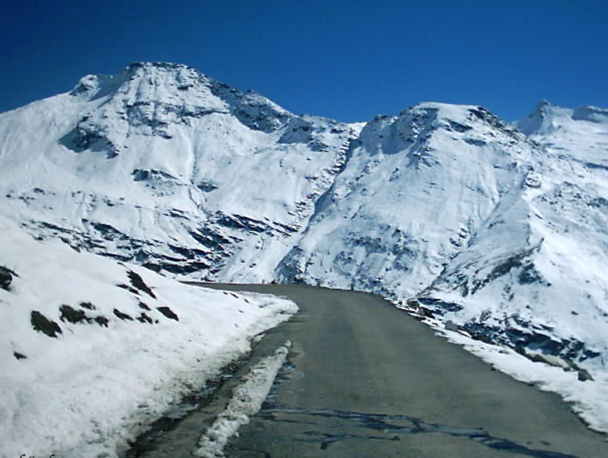 Drive to Ki monastery