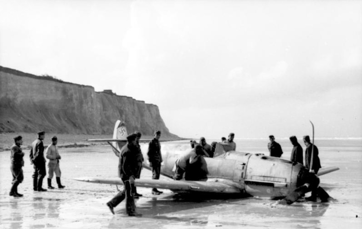 One of Marseille's first crash landings.