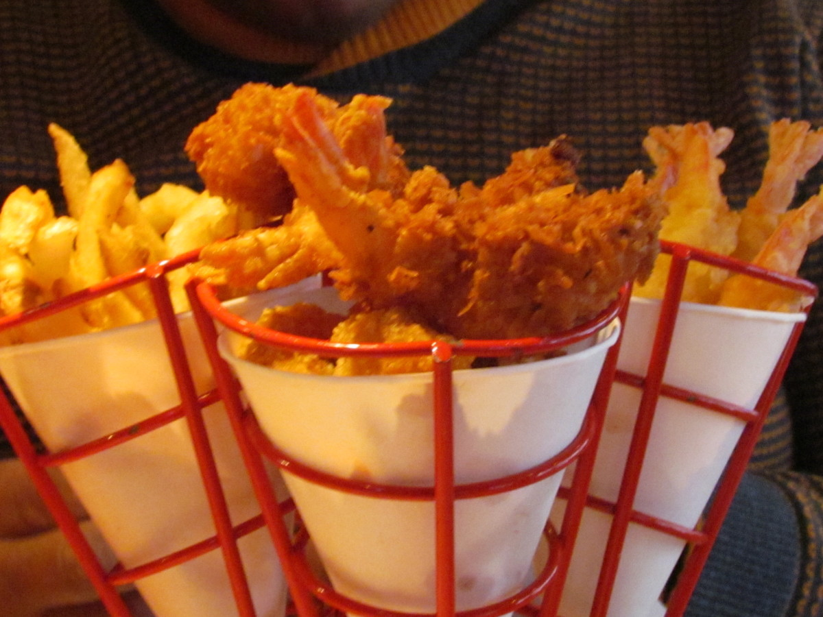 On Times Square at Bubba Gump's, we enjoyed fried shrimp with french fries, mac and cheese and delicious lemonade with take home glasses.