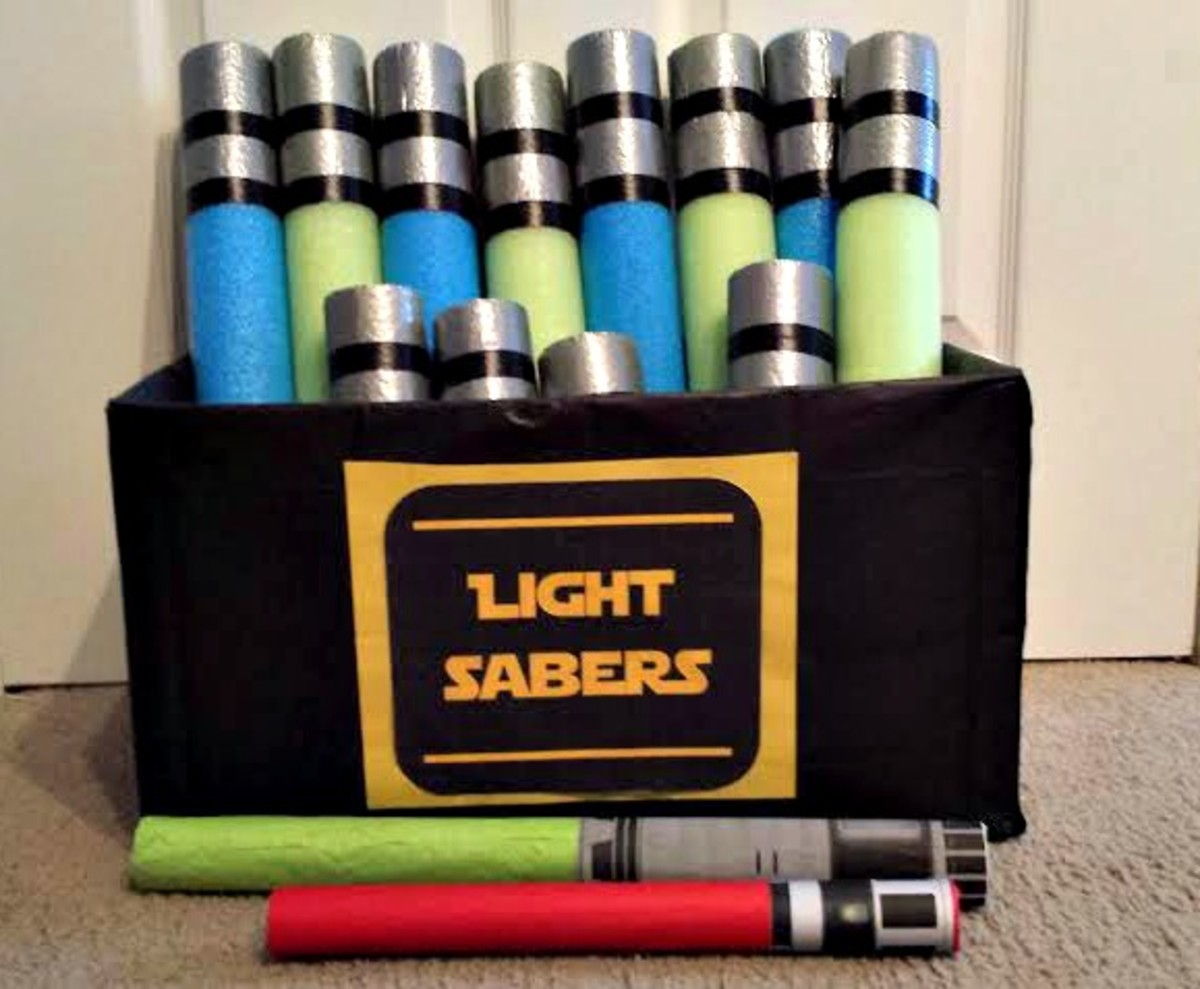 Keep reading below to find out how to make these homemade lightsabers for the kids.