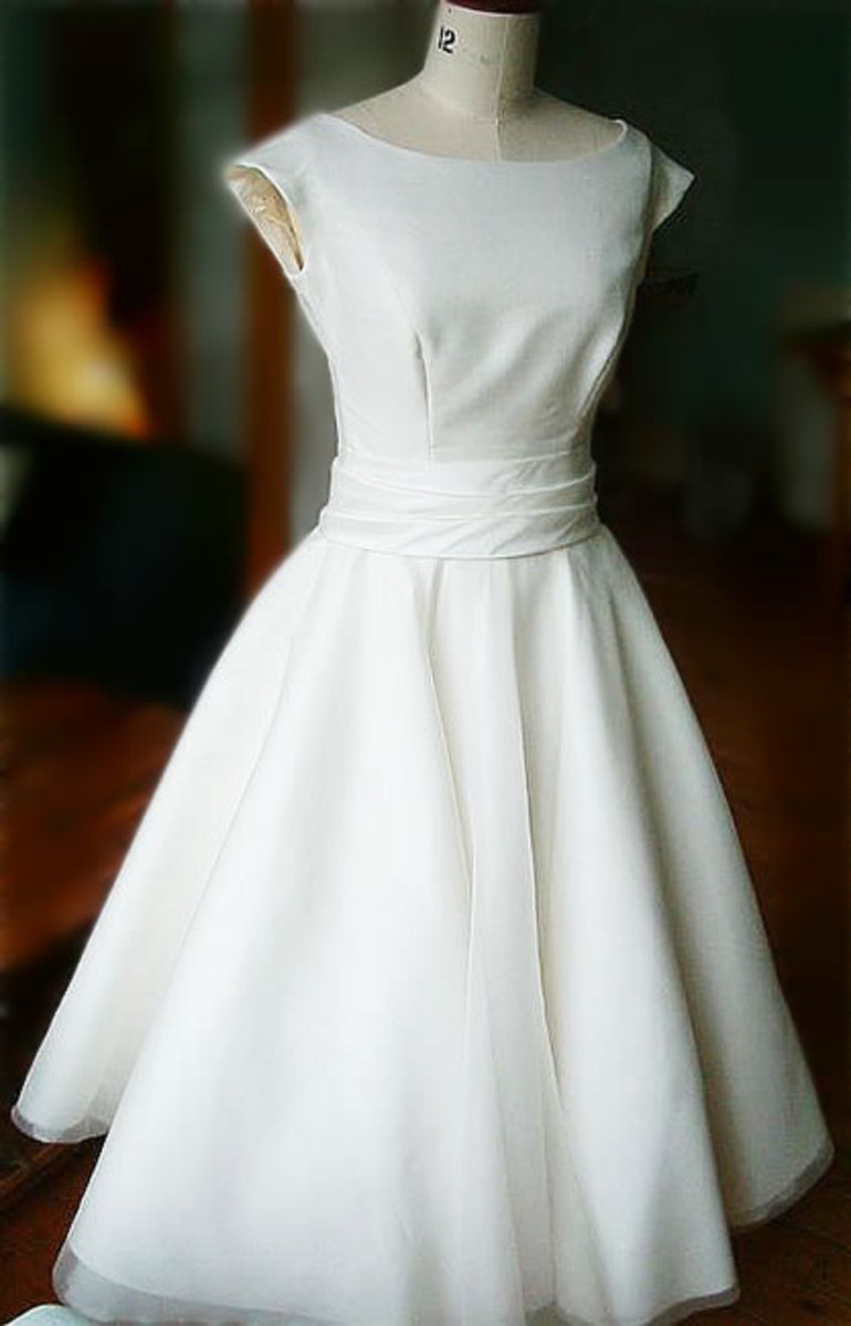 The 50 39s wedding dress always look simple elegance glamor and chiq