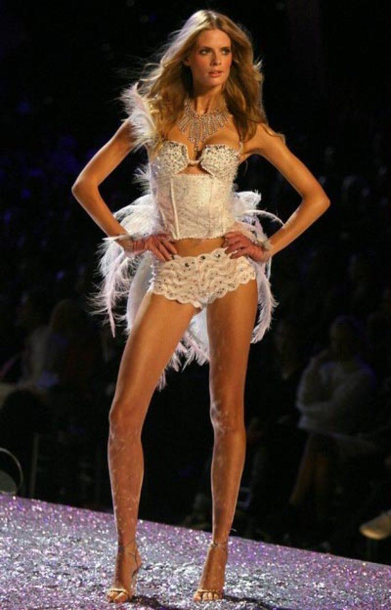 Julia Stegner Beautiful German Models and Actresses