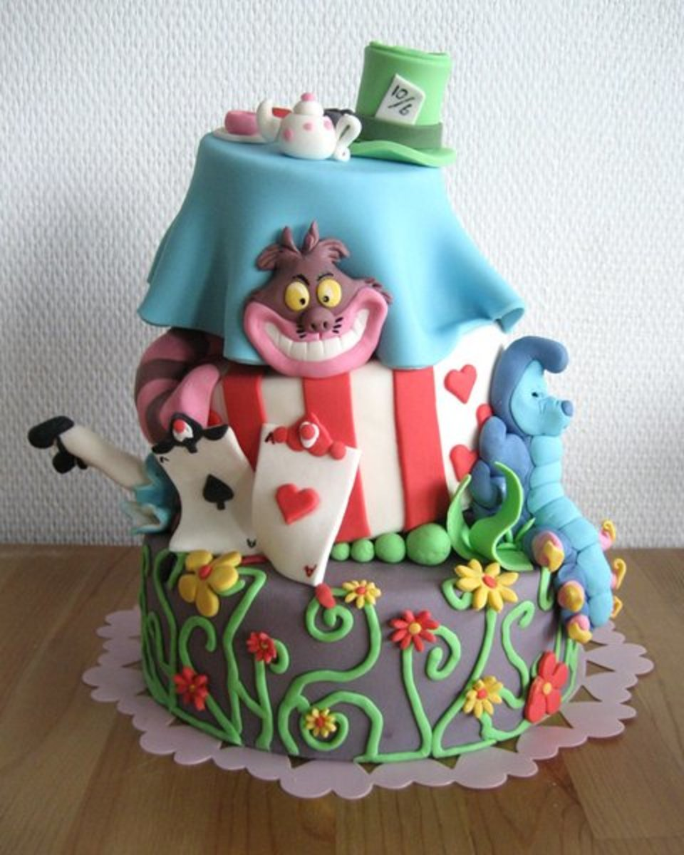 Alice in Wonderland Birthday Cake Ideas