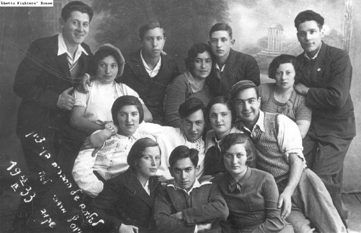 """Those who grew up with the """"group mindset"""" that was enforced by the kibbutz, are very close to one another throughout their entire lives."""
