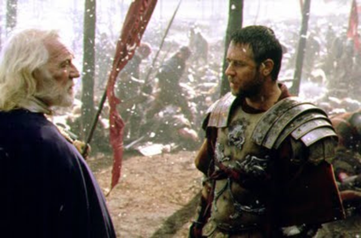 Riuchard Harris played the role of the Roman Emperor Marcus Aurelius in Gladiator (2000), picture seen here with Russell Crowe