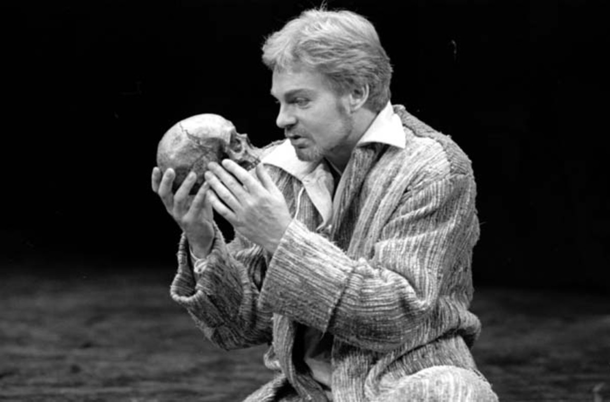 "the eruption of evil in the play hamlet by william shakespeare Free essay: claudius as evil in hamlet by william shakespeare the abstract   the play that hamlet enacts -- designed to ""catch the conscience of the king""."