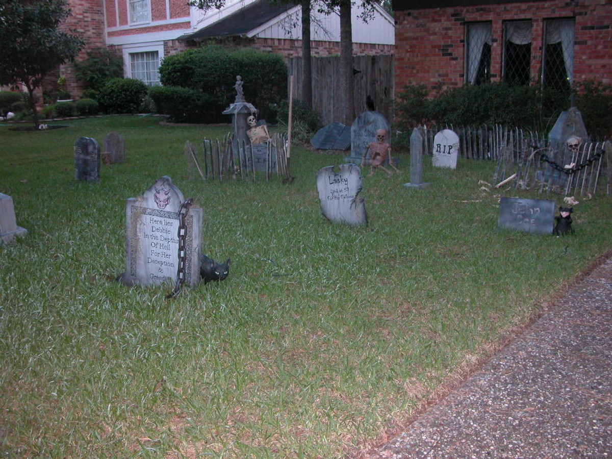Photo# 754 - Graveyard - 2007 Halloween