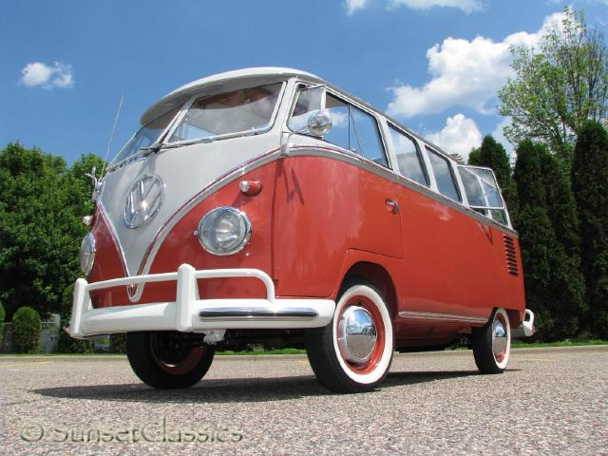 1961 23-Window VW Deluxe Bus