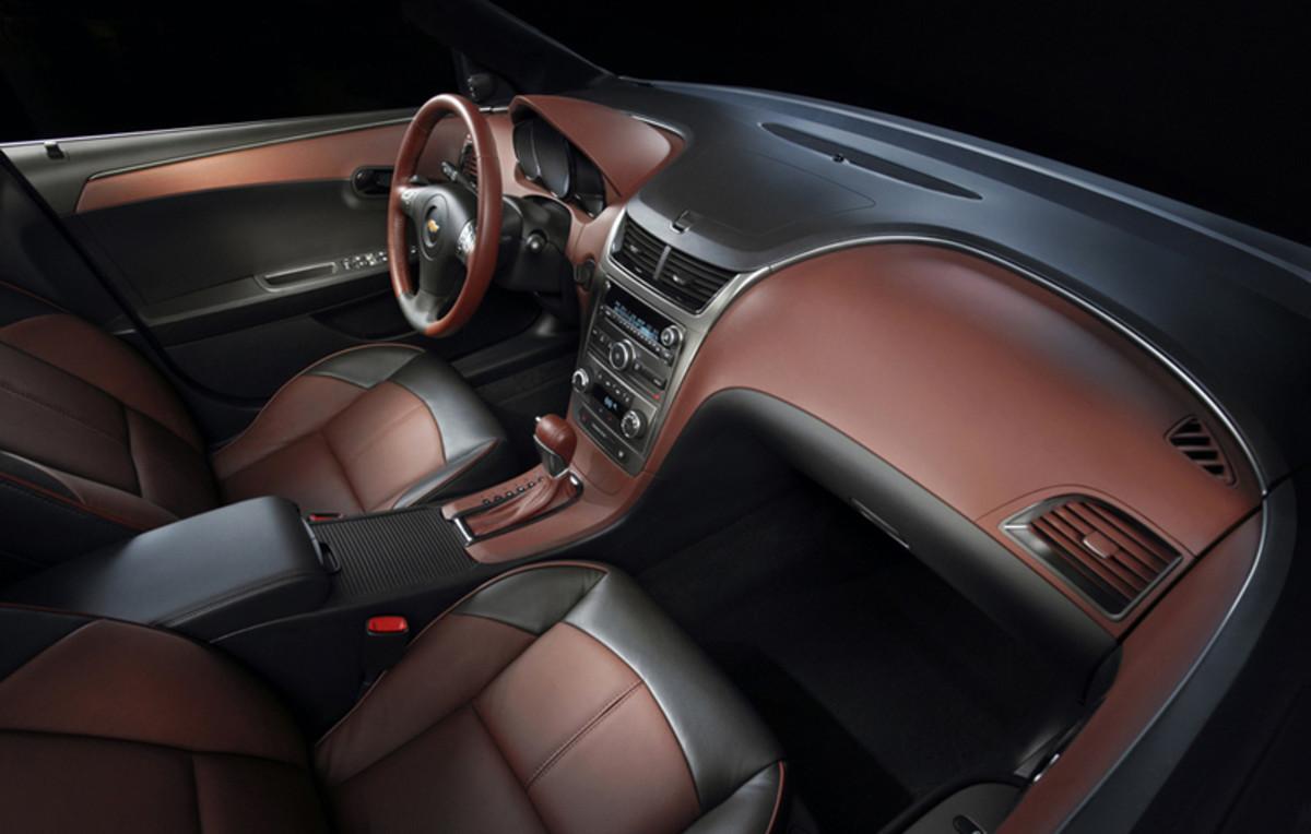 top-10-best-car-interiors-for-2009-15-25k