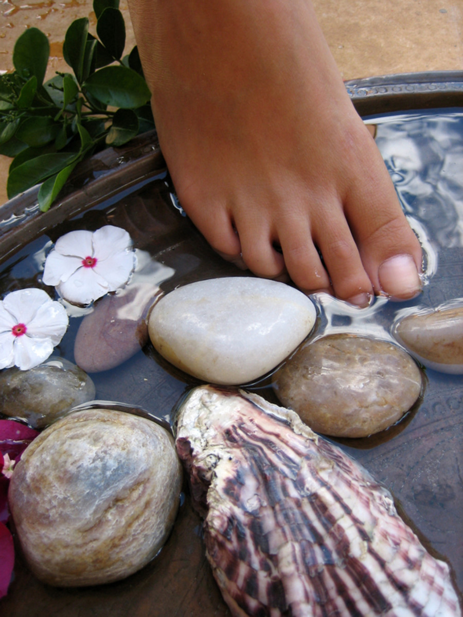 SUCCESSFUL NATURAL CURE FOR BONES  (esp.deformities as bunions & hammertoe; bursitis)