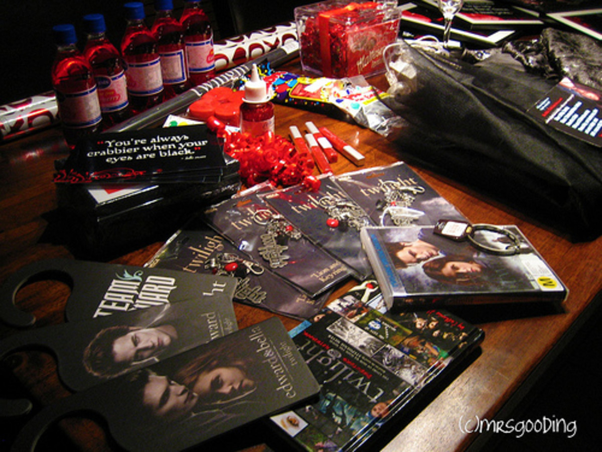 Twilight Party Supplies Photo by www.flickr.com/photos/tintin1212/