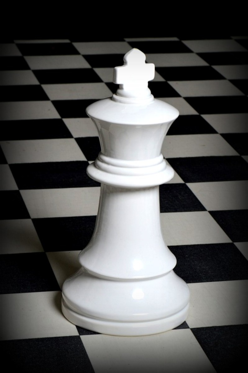 white chess pieces to represent Breaking Dawn