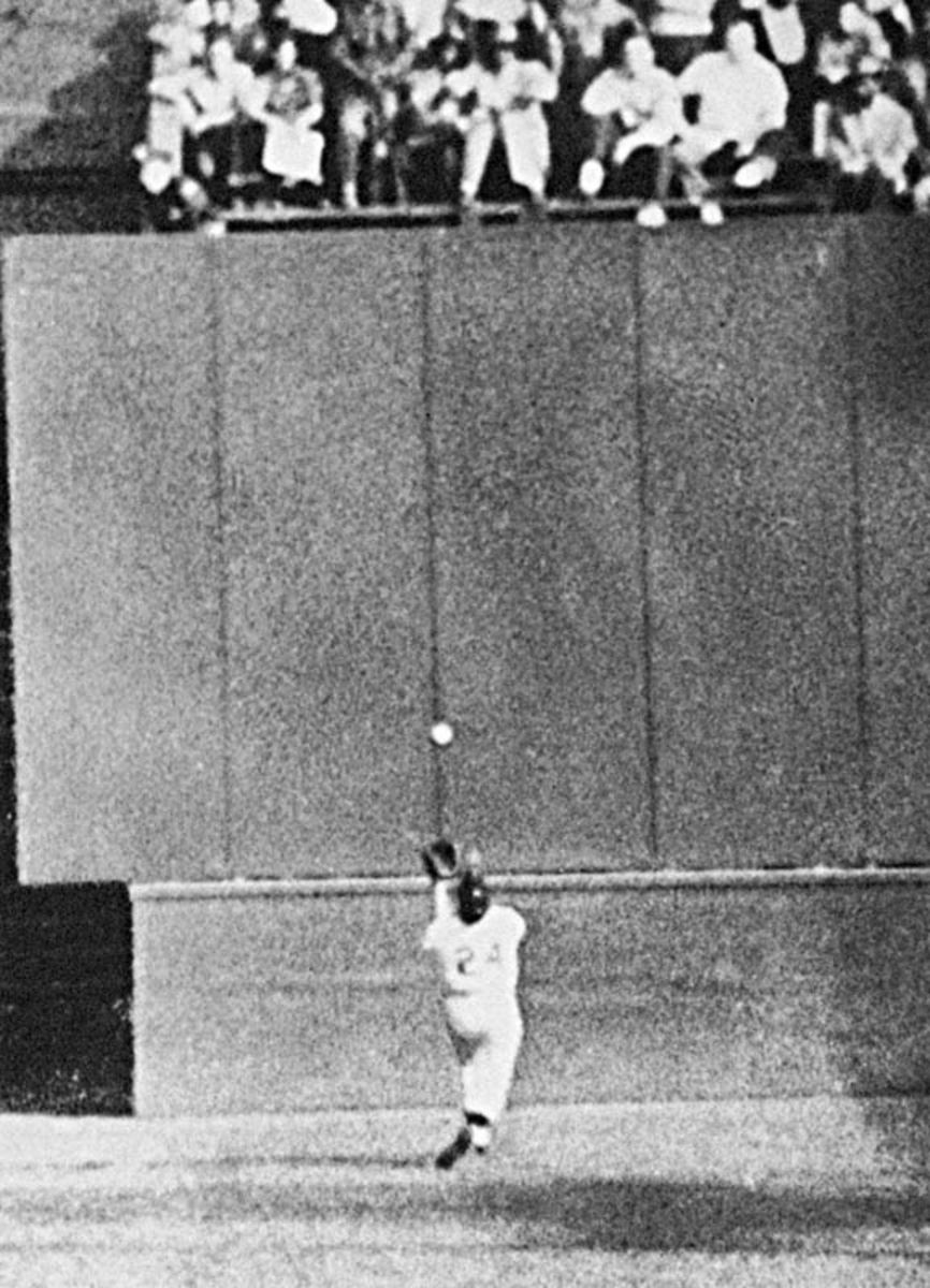 "WILLIE MAYS MAKES ""THE CATCH"""